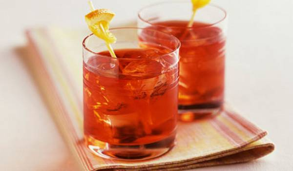 Campari with soda and ice