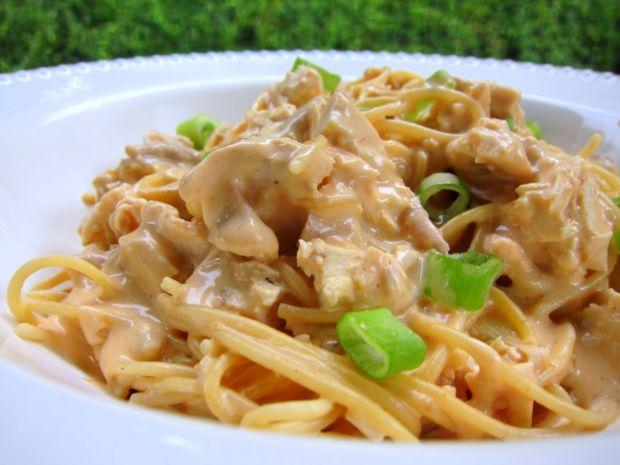 spageti sa piletinom i besamel sosom