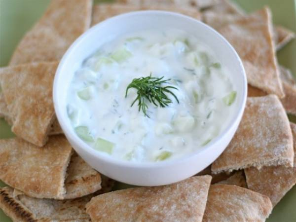 Kako napraviti tzatziki salatu?
