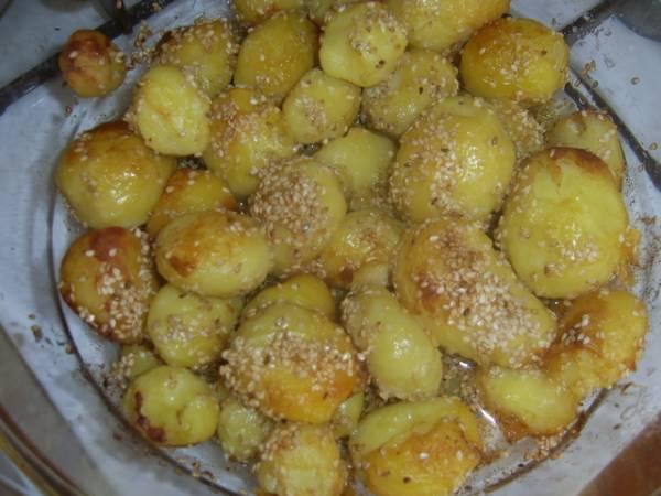 Peceni krompir sa prelivom od susama