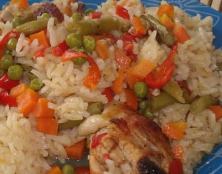 Pilav-sa-piletinom-i-povrcem