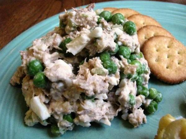salatu od graska i tunjevine